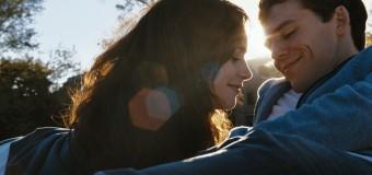 Filmanmeldelse: Love, Rosie – Dejlig film om kærlighedens svære timing