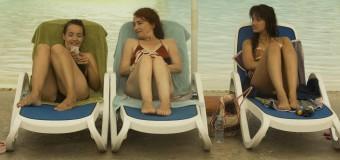Filmanmeldelse: All Inclusive – Hella Joof på livsbekræftenden familie-tøsetur til Malta