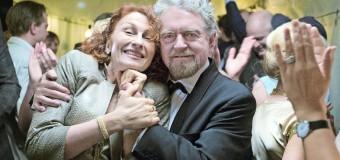 Filmanmeldelse: Mennesker bliver spist – Erik Clausen som dement