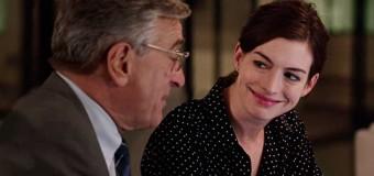 Filmanmeldelse: Praktikanten – Sexistisk komedie uden drama