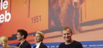 """Berlinalen dag 7 – Thomas Vinterberg indtog Berlin med """"Kollektivet"""""""