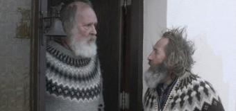 Filmanmeldelse: Blandt mænd og får – Gnavne gamlinge i uldne islandske sweatre