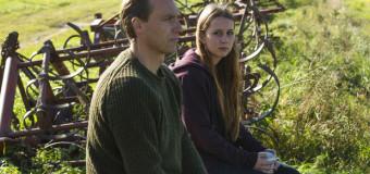Filmanmeldelse: Hundeliv – Frelles debutfilm er stærkest på midten
