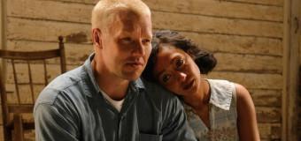 Filmanmeldelse: Loving – Væsentlig film om farveblind kærlighed