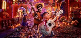 """Filmanmeldelse: Coco – Pixars hjertevarme hyldest til Mexicos """"De Dødes Dag"""""""