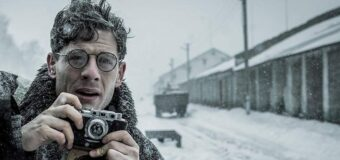Filmanmeldelse: Den sorte jord –  Gribende portræt af Sovjets skjulte hungerskatastrofe