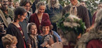 Filmanmeldelse: Far til fire og vikingerne – Som en tur på McDonalds, og det er faktisk fint nok