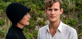 FILM: Pagten – Fremragende skildring af Thorkild Bjørnvig i Karen Blixens kløer